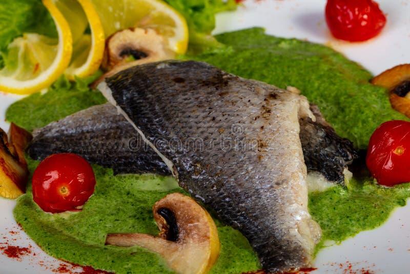 Испаренные рыбы Dorada стоковая фотография rf