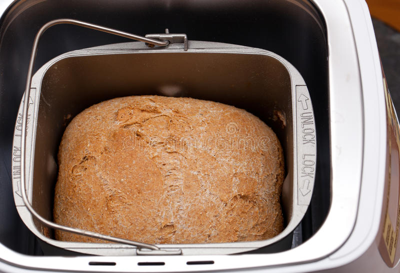 испеченная пшеница машины хлеба стоковое фото rf