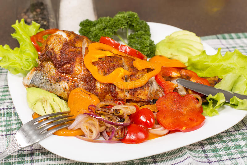 Испеченное brotola рыб стоковые изображения