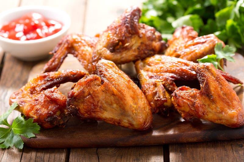 испеченные крыла цыпленка стоковое фото