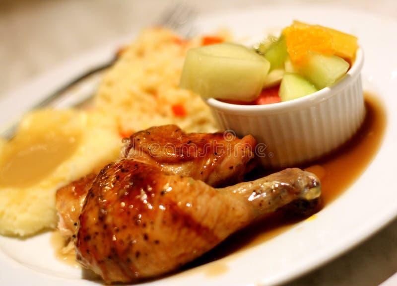 испеченный цыпленок стоковые фотографии rf