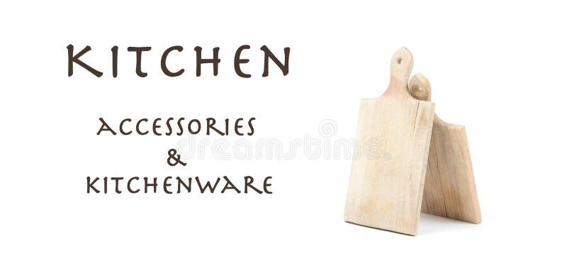 2 использовали деревянные разделочные доски изолированные на белой предпосылке с написанными аксессуарами и kitchenware кухни зна стоковая фотография