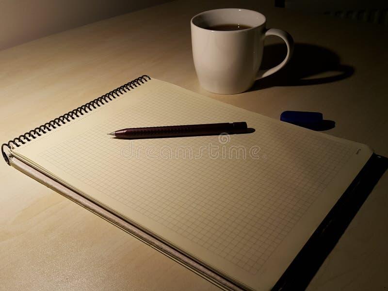 Исследование с кофе стоковое фото rf
