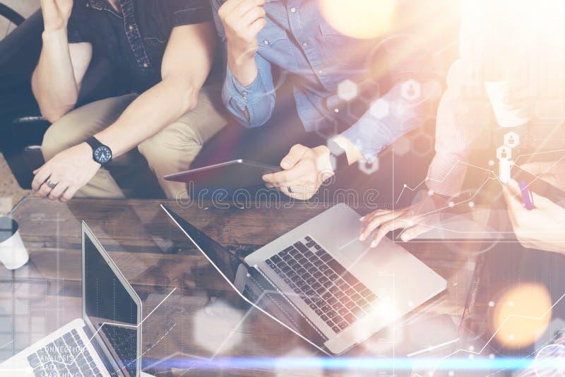 Исследования в области маркетинга диаграммы интерфейса диаграммы значка соединения глобальной стратегии виртуальные Онлайн люди з стоковое фото rf