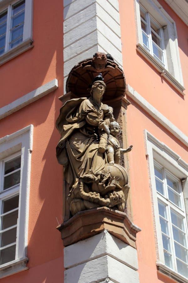 Историческая архитектура в Гейдельберге, Германии стоковые фотографии rf