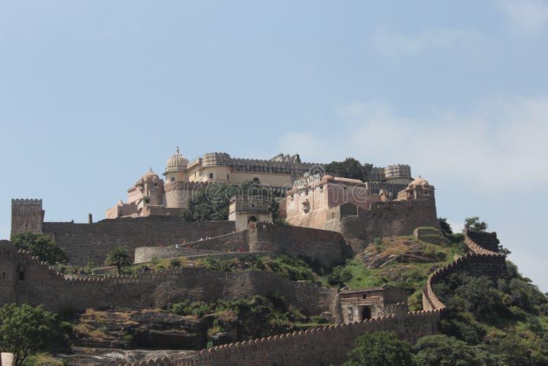 историческая архитектура, форт Kumbhalgarh стоковая фотография rf