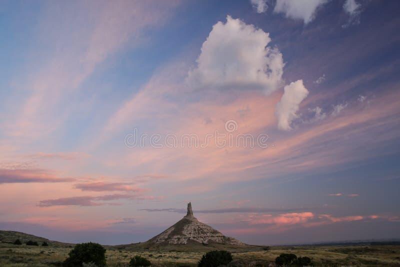 Историческая достопримечательность в раннем утре, западная Небраска утеса камина национальная, США стоковая фотография