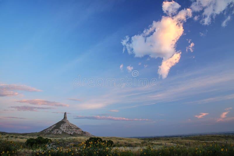 Историческая достопримечательность в раннем утре, западная Небраска утеса камина национальная, США стоковое изображение rf