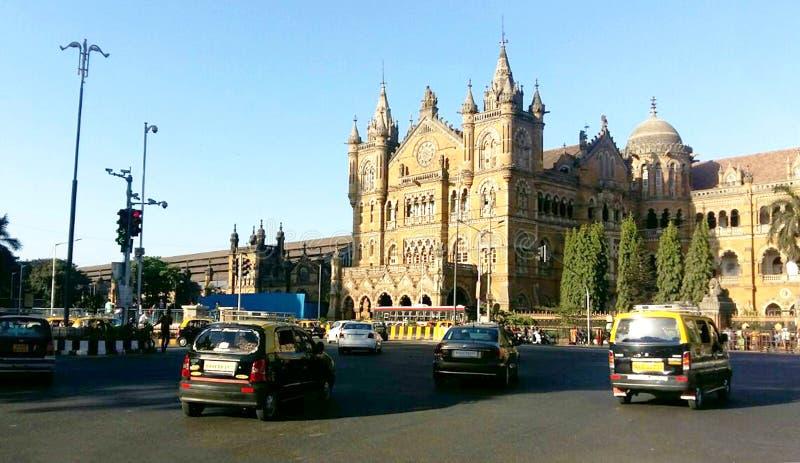 Историческая конечная станция в Мумбае, место Chhatrapati Shivaji железнодорожного вокзала всемирного наследия ЮНЕСКО, Мумбай, Ин стоковая фотография rf