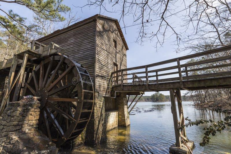 Историческая мельница на каменном парке горы в Атланте Georgia стоковые фото