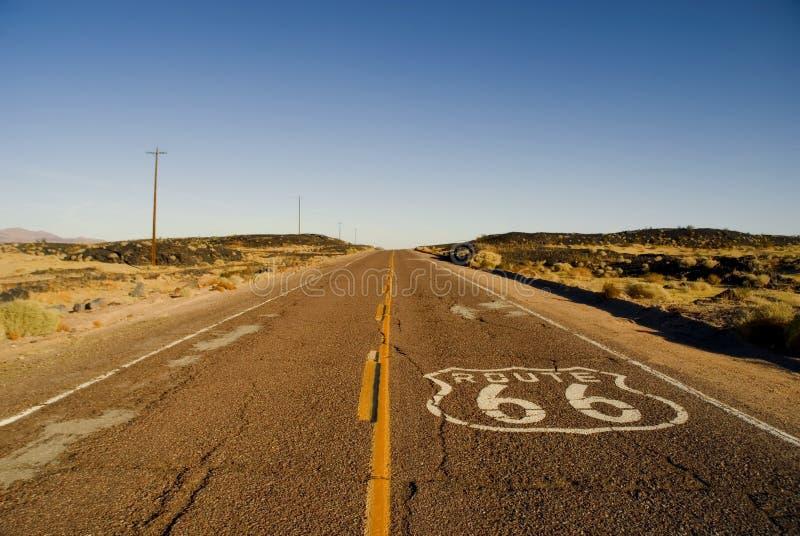 Download историческая трасса 66 стоковое изображение. изображение насчитывающей пустыня - 18388783