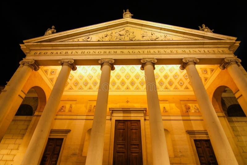 Историческая церковь в Кремоне, Италии стоковые фото
