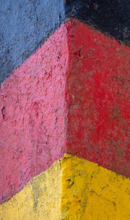 Историческая черно-красн-золотая пограничная застава на бывшей границе между Германской Республикой ГДР и федеральной республикой стоковое фото