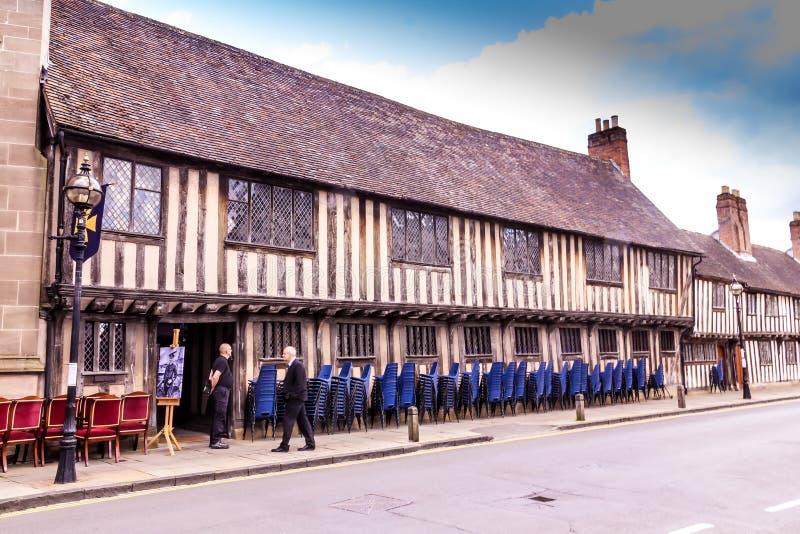 Историческая школа на майне часовни в Стратфорде на Эвоне, Уорикшир короля Эдварда VI Великобритания стоковая фотография