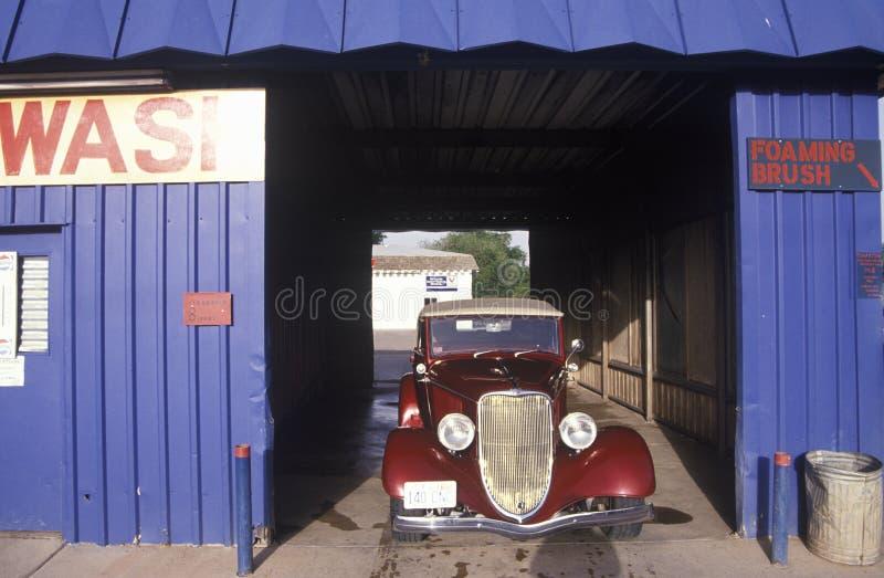 Исторические автомобиль и мойка в Moab, Юте стоковые изображения rf
