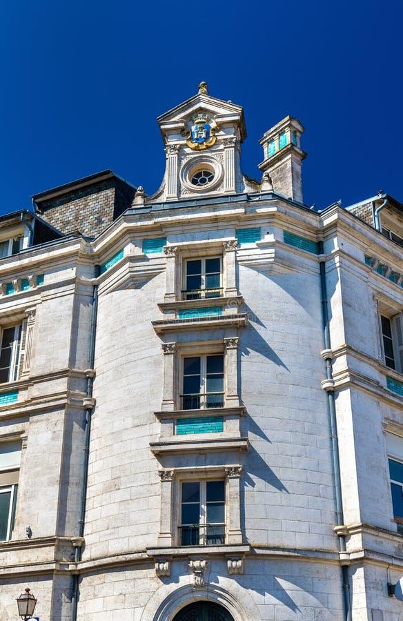Исторические здания в Angouleme, Франции стоковая фотография rf