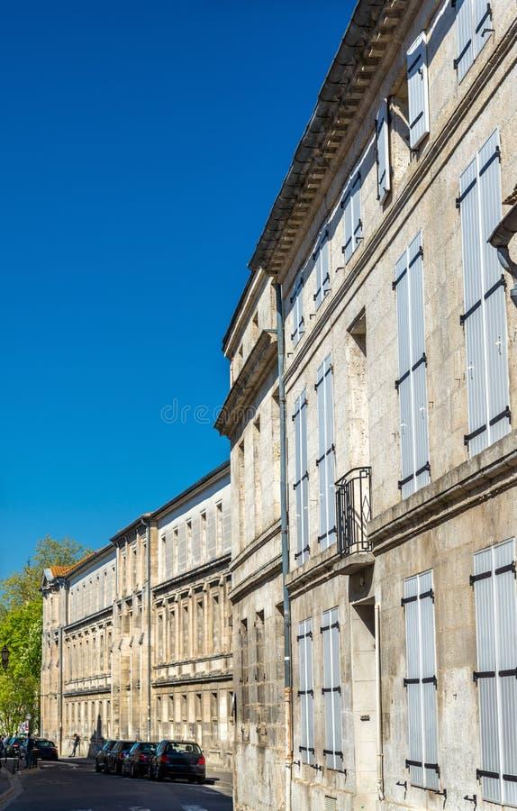 Исторические здания в Angouleme, Франции стоковые фотографии rf