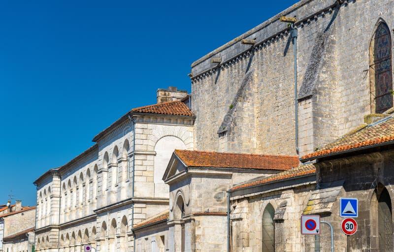 Исторические здания в Angouleme, Франции стоковое фото rf