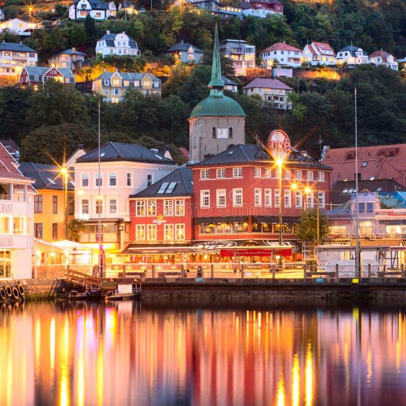 Исторические здания на улице в Бергене, Норвегии стоковое фото