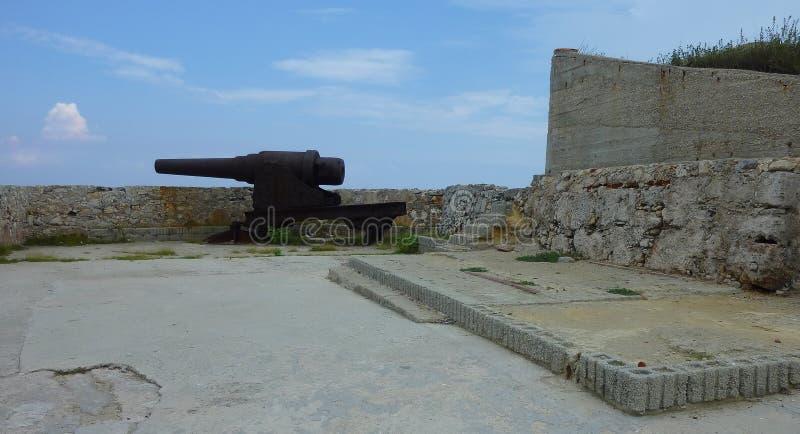 Исторические карамболи в форте стоковые фото