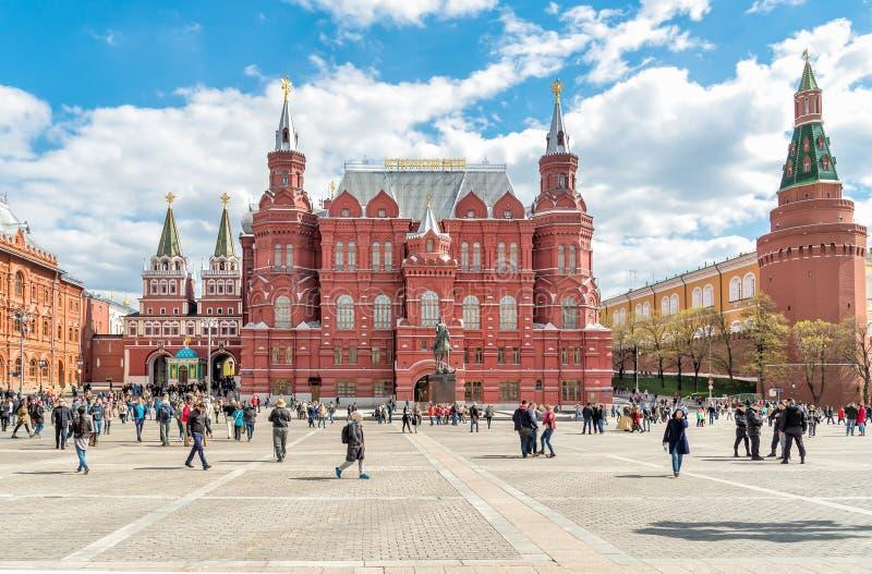 Исторические музей и памятник к маршалу Zhukov около красной площади в Москве стоковые изображения rf