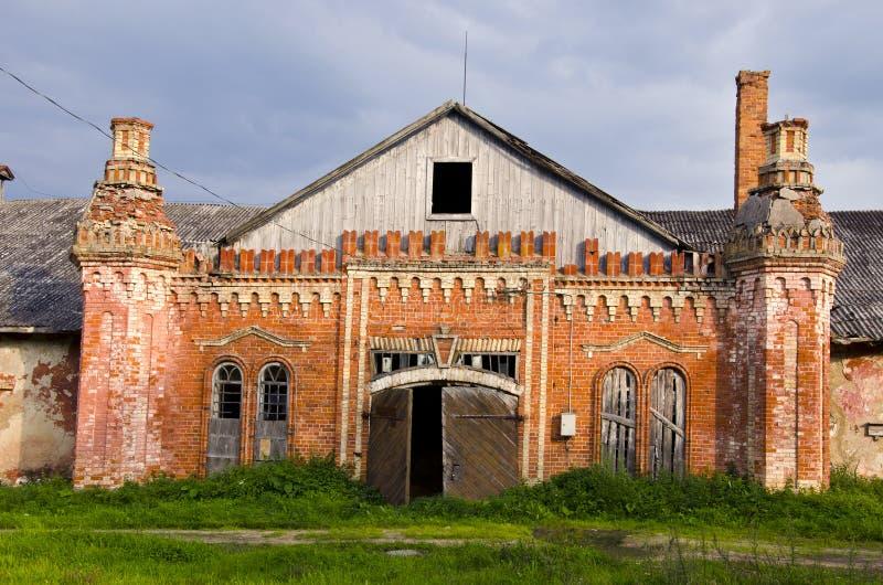 исторические руины поместья Литвы стоковые фото