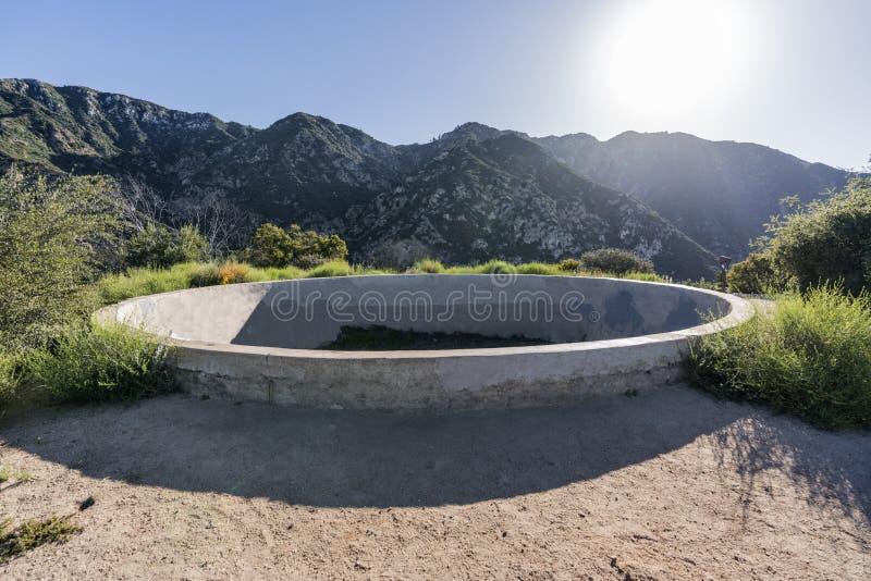 Исторические руины резервуара курорта Mtn отголоска около Лос-Анджелеса Califor стоковое фото
