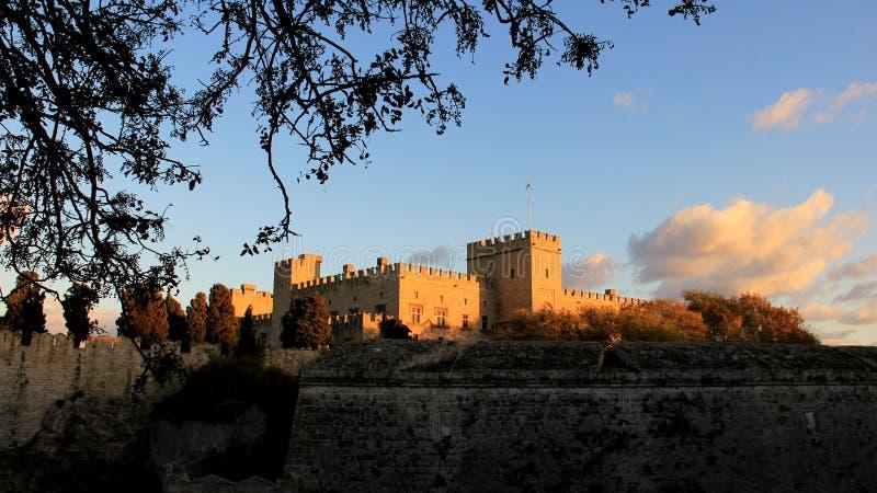 Исторические старые стены и дворец гроссмейстера стоковое изображение rf