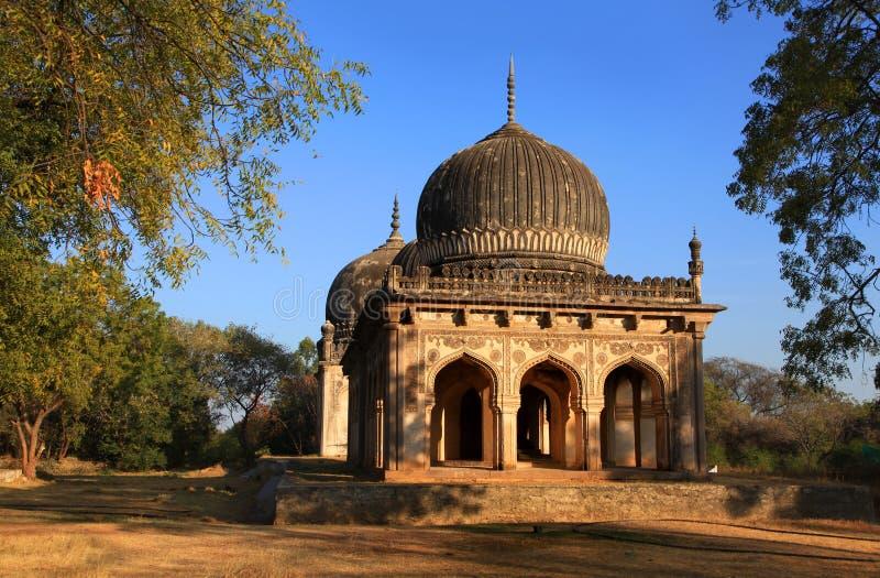 Исторические усыпальницы Quli Qutb Shahi стоковое фото
