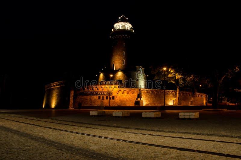 Исторический маяк в Kolobrzeg Польше вечером стоковое изображение rf