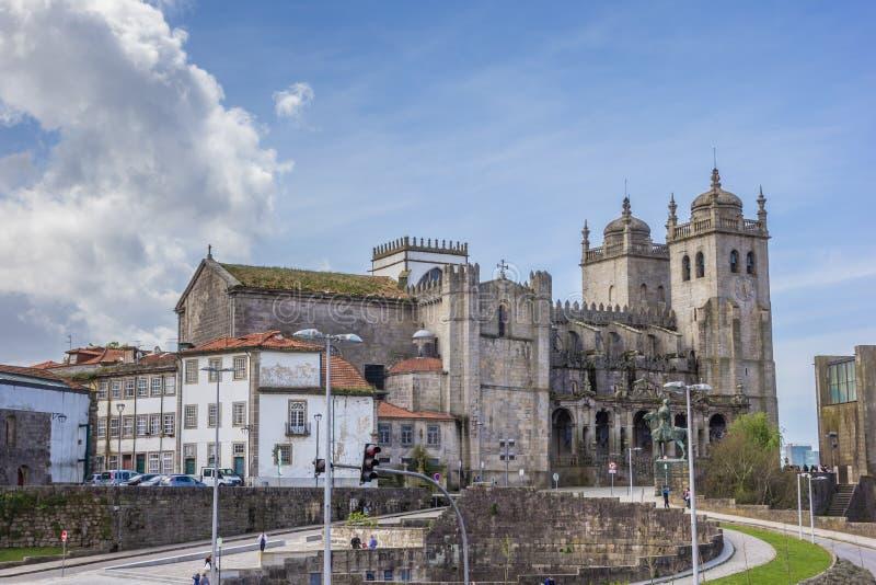 Исторический собор в центре Порту стоковые изображения rf