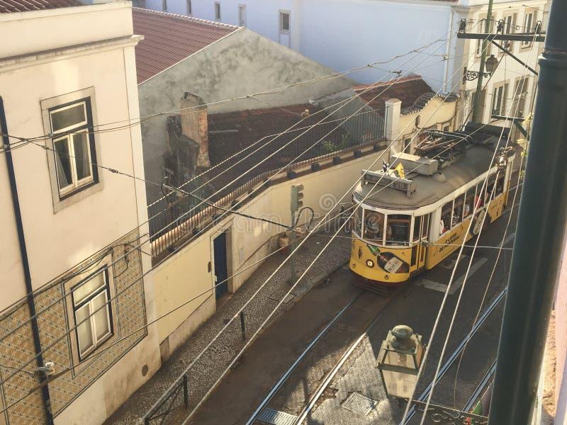 Исторический трамвай 23 Португалии стоковая фотография rf