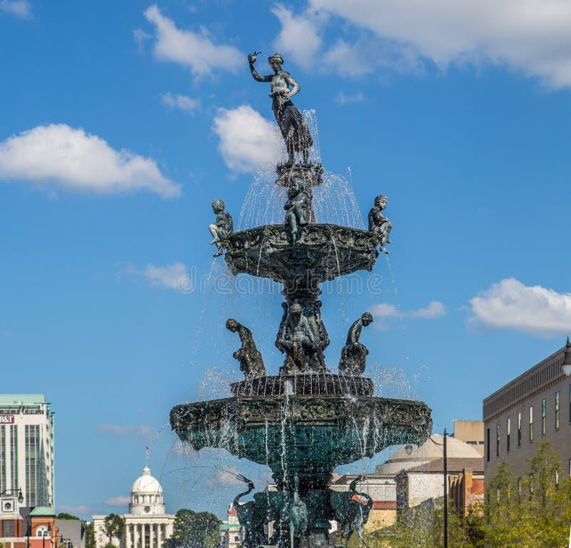 Исторический фонтан квадрата суда, Монтгомери, Алабама стоковое изображение