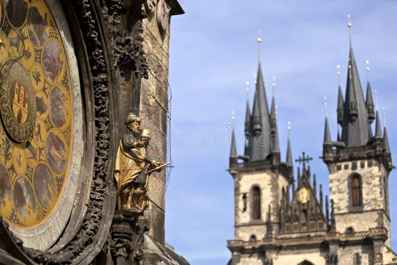 Исторический центр Праги, старой архитектуры, и культурного наследия/башни и астрономических часов Праги на старом городке Hal стоковое фото