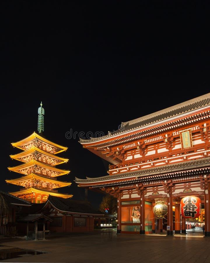 Исторический японский висок на ноче, Sensoji, Asakusa, токио стоковое изображение