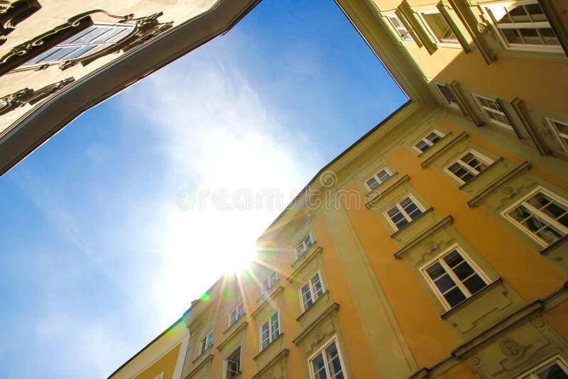 Историческое зодчество в Зальцбург стоковые фотографии rf