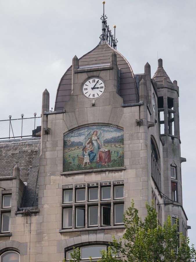 Историческое здание в Амстердаме в стиле Jugendstil стоковое фото