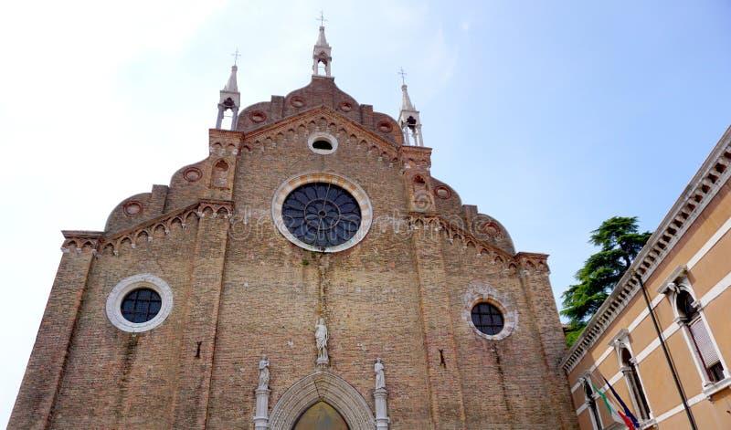 Историческое здание фронта Santa Maria церков стоковое изображение rf