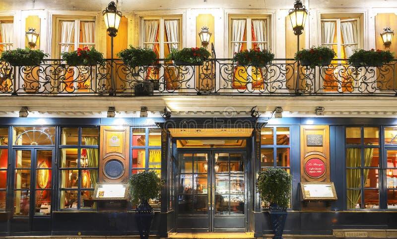 Историческое кафе Procope в вечере, Париж, Франция стоковое фото rf