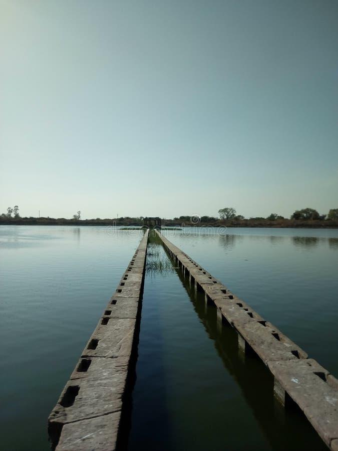 Историческое озеро в dholka стоковое изображение
