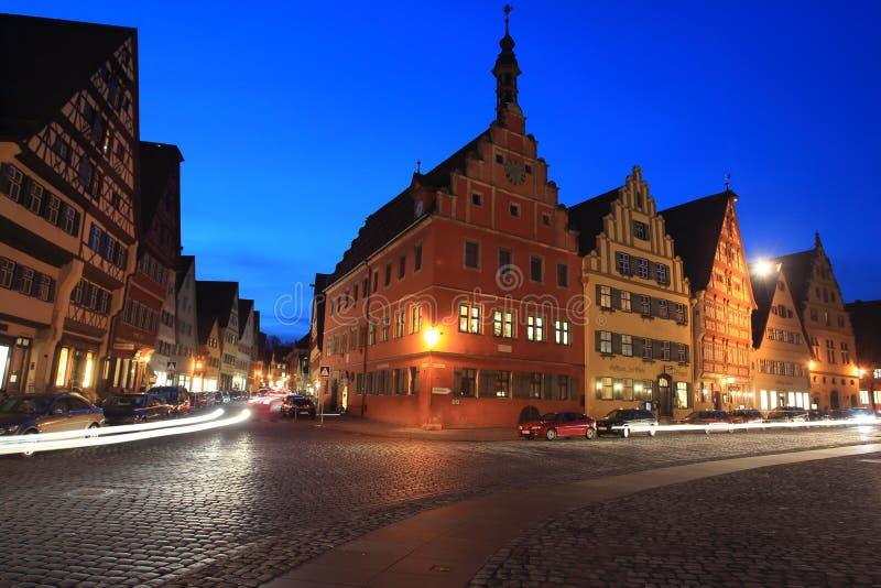 Историческое Dinkesbuhl на ноче стоковое фото