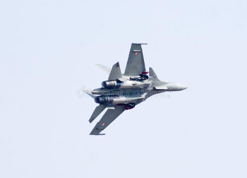 Истребительная авиация Sukhoi-30 MK i на Aero выставке 2013 Индии стоковые фото