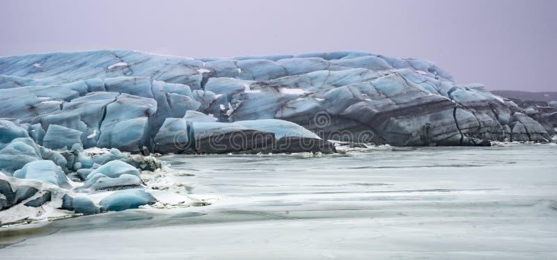 Исландские взгляды - ледник стоковые изображения rf