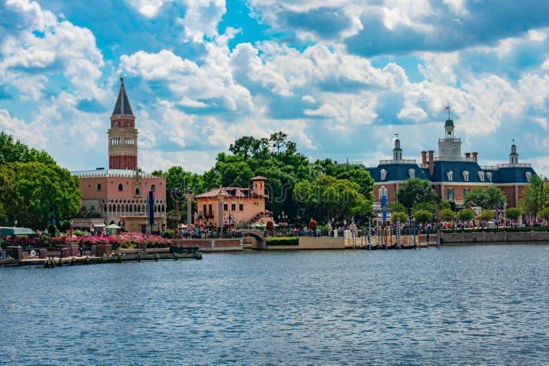 Италия и павильоны приключения Америки на Epcot в мире 72 Уолт Дисней стоковая фотография