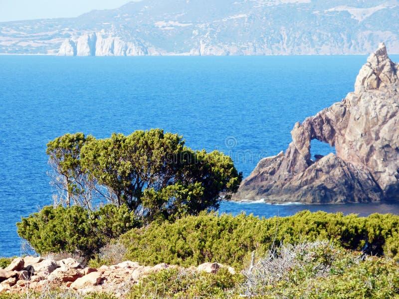 Италия, Сардиния, взгляд входа Cala Domestica стоковые фото