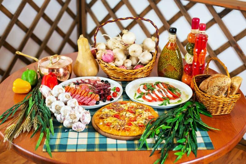 Итальянская кухни жизнь все еще стоковая фотография