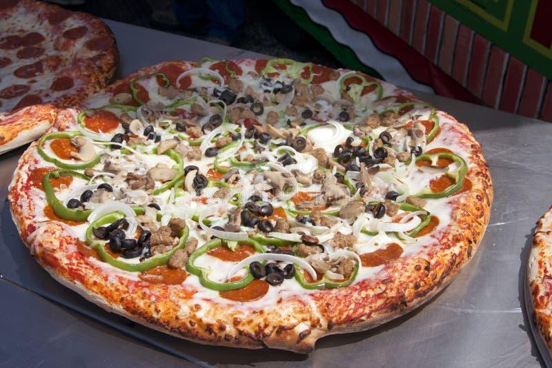 итальянская сосиска пиццы pepperoni стоковая фотография