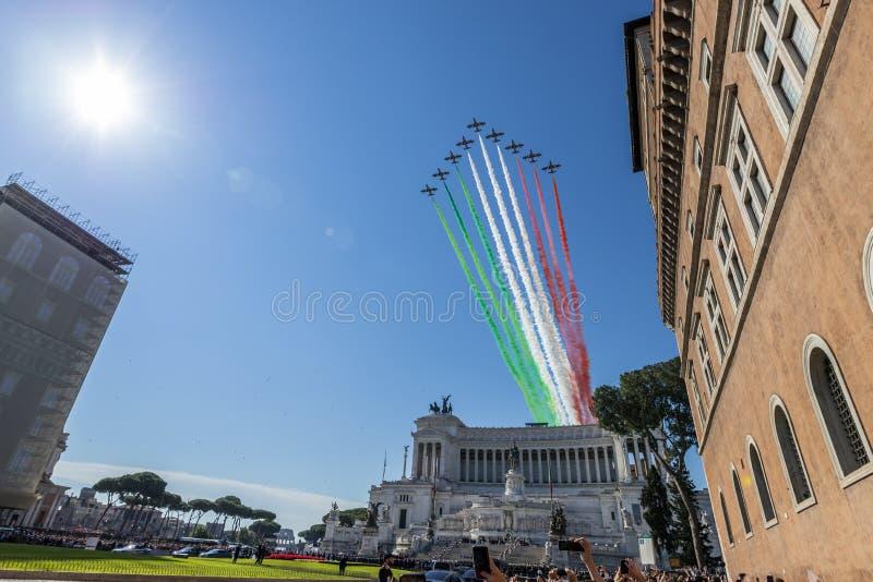 Итальянская циркаческая воздушная команда стоковая фотография rf