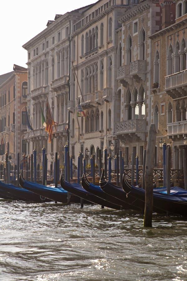 Итальянские гондолы воды стоковая фотография rf