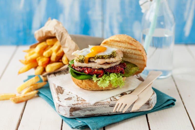 Итальянский бургер Турции стиля стоковое фото rf